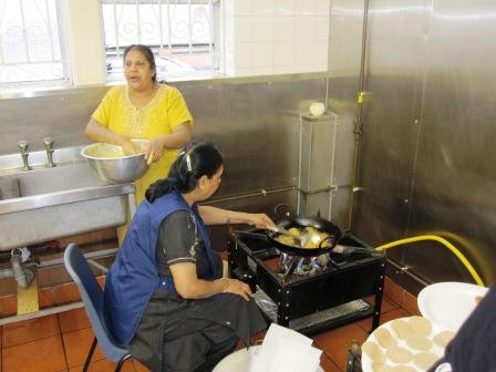 Frying Bhajias............