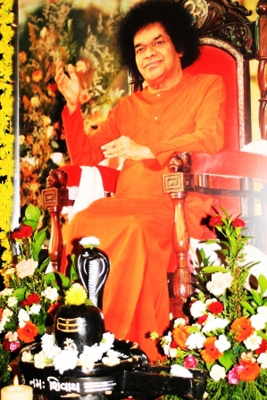 Swami's photo in the main altar